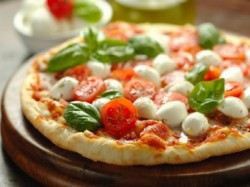 MENU' PIZZA  per 1 persona  Bibita inclusa - BAR DUE RUOTE