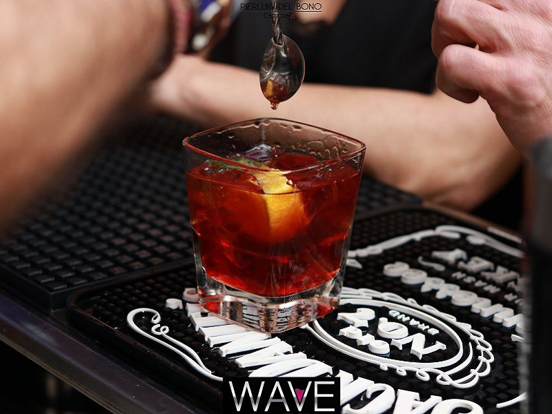 Foto 16 del locale Wave Lounge Bar